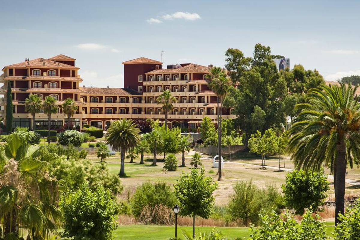 Ilunion golf badajoz hotel ilunion golf badajoz